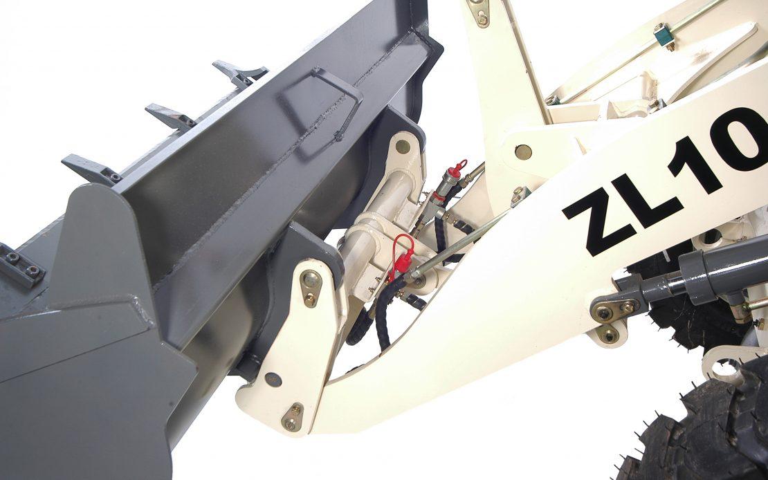 Kolový nakladač ZL 10 detail rychloupínák