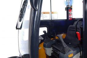 Minibagr JH 22 kabina