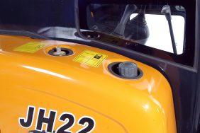 Minibagr JH 22 nádrž
