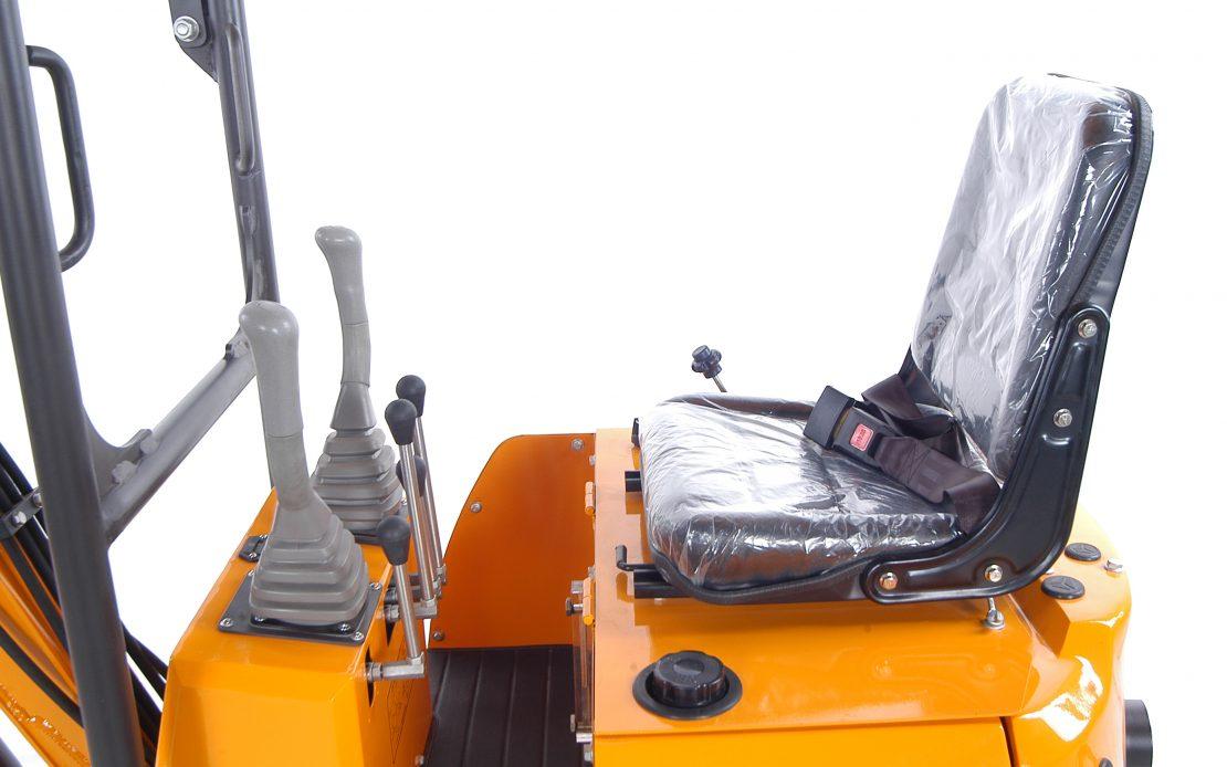 Minibagr XN 08 detail kabina