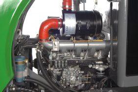 Nakladač ZL 08 motor zprava