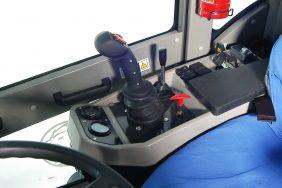 Nakladač HZM 825 Detail Joystick