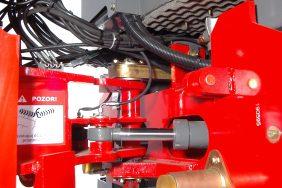 Nakladač HZM 825 Detail Kloub