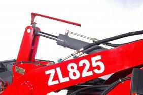 Nakladač HZM 825 Detail Nápis