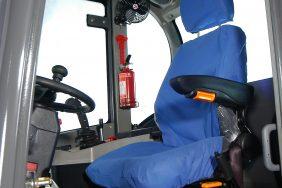 Nakladač HZM 825 Detail Sedačka
