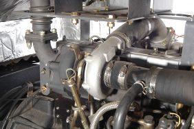Nakladač HZM 825 Detail Turbo