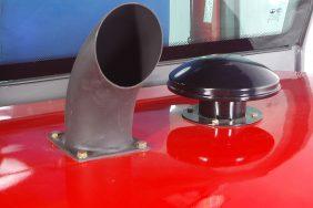 Nakladač HZM 825 Detail Výfuk