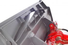 Nakladač HZM 825 Detail Výztuha Lžíce