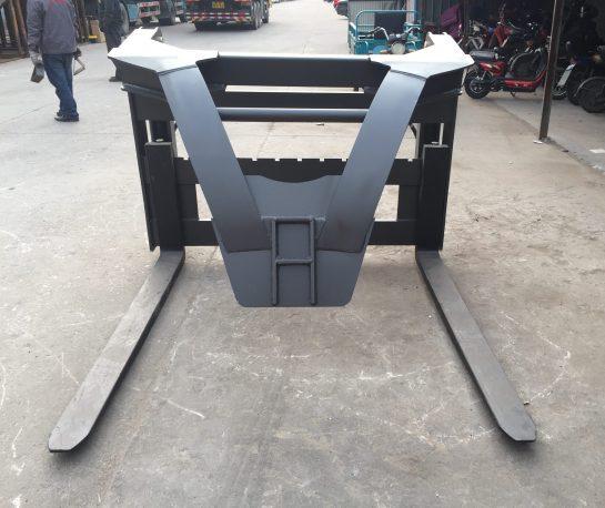 Paletizační vidle s přítlačným ramenem ZL 825
