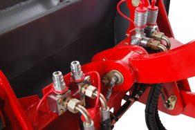 Nakladac Zl 816 Detail Hydraulickych Vyvodu